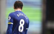 Какво спира Рос Баркли от дебют за Челси?