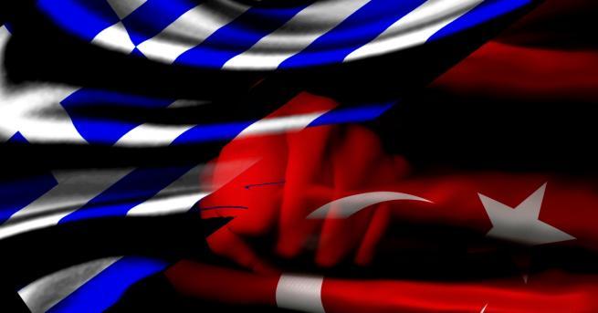 Малък гръцки военен кораб в сряда се сблъска с турски