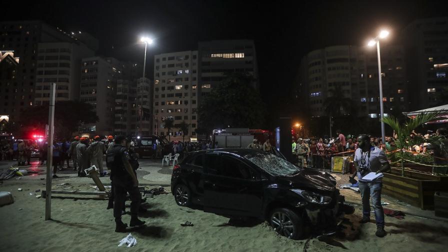Автомобилът, който прегази пешеходци и уби бебе в Рио де Жанейро