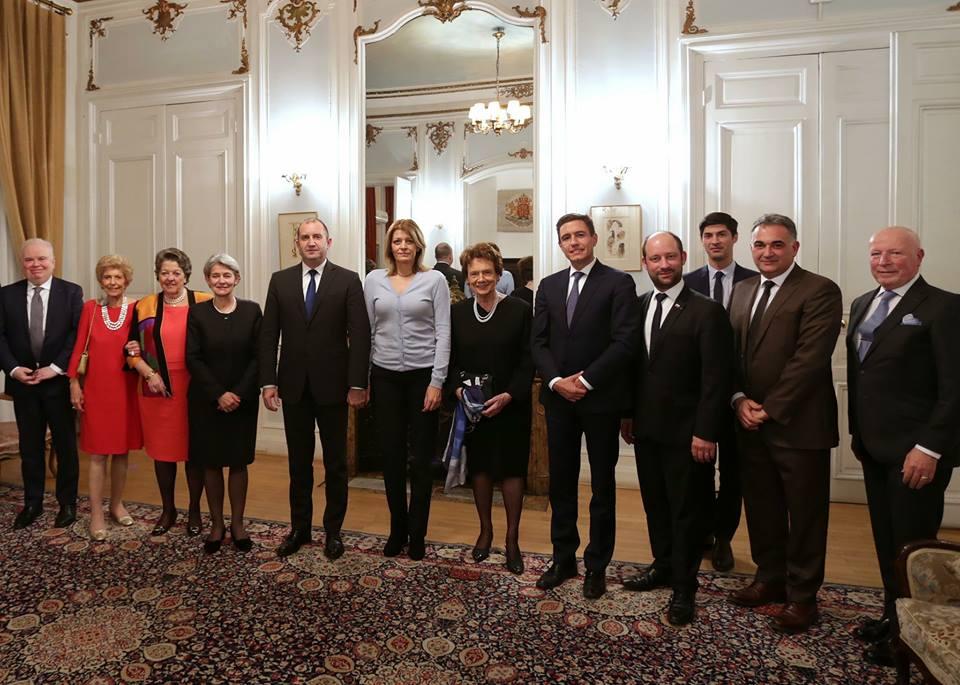 Десислава Радева и президентът в Париж (декември 2017 г.)