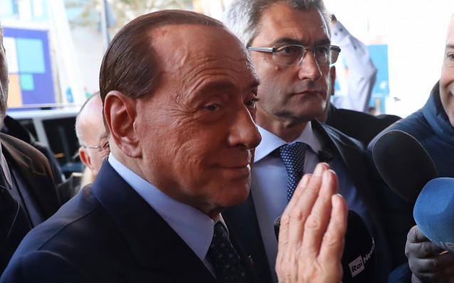 Бившият собственик на Милан Силвио Берлускони продължава да сипе критики