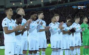 Суонси и Ливърпул също почетоха легендата Сирил Реджис
