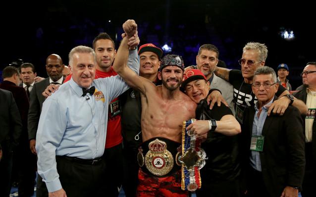 Хорхе Линарес защити титлата си на Световната боксова асоциация (WBA)