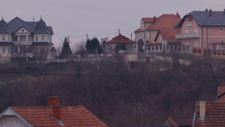 Селото, пълно с палати, в което не живеят хора