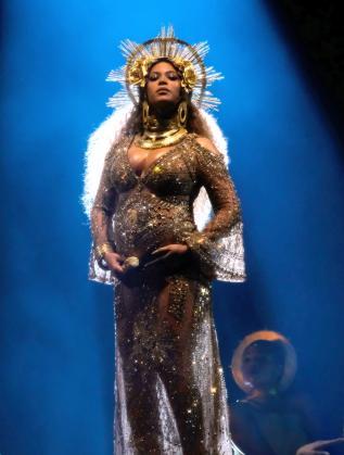 "Бионсе на наградите ""Грами"", 2017 г."