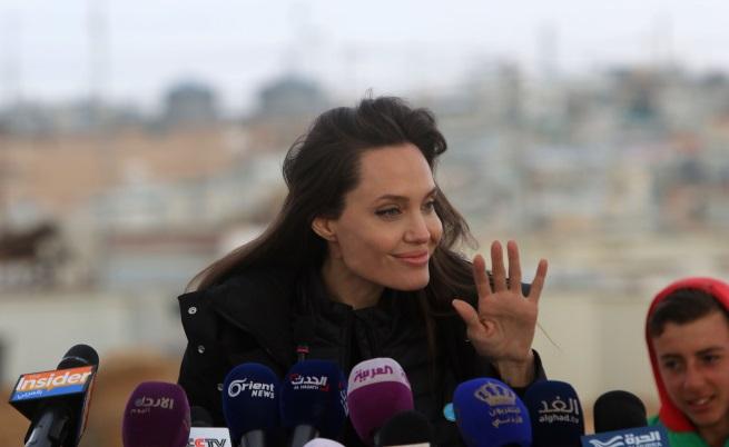 Анджелина Джоли се срещна с Брижит Макрон (СНИМКИ)