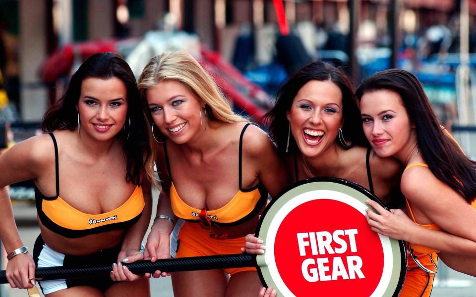 Краят на една ера - Формула 1 се отказва от сексапилните момичета преди старт