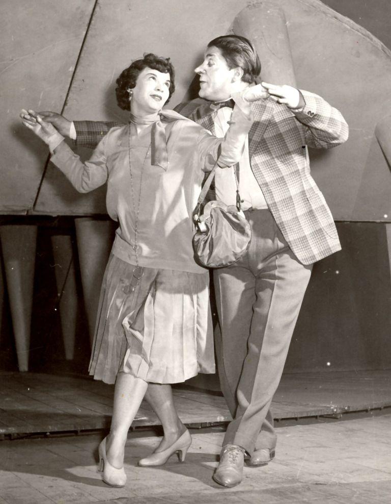 Актрисата е съосновател на Сатиричния театър и е прекарала 60 театрални сезона в него.