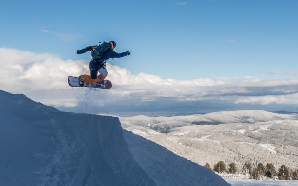 Републиканско фрийрайд състезание събира най-добрите екстремни скиори и сноубордисти