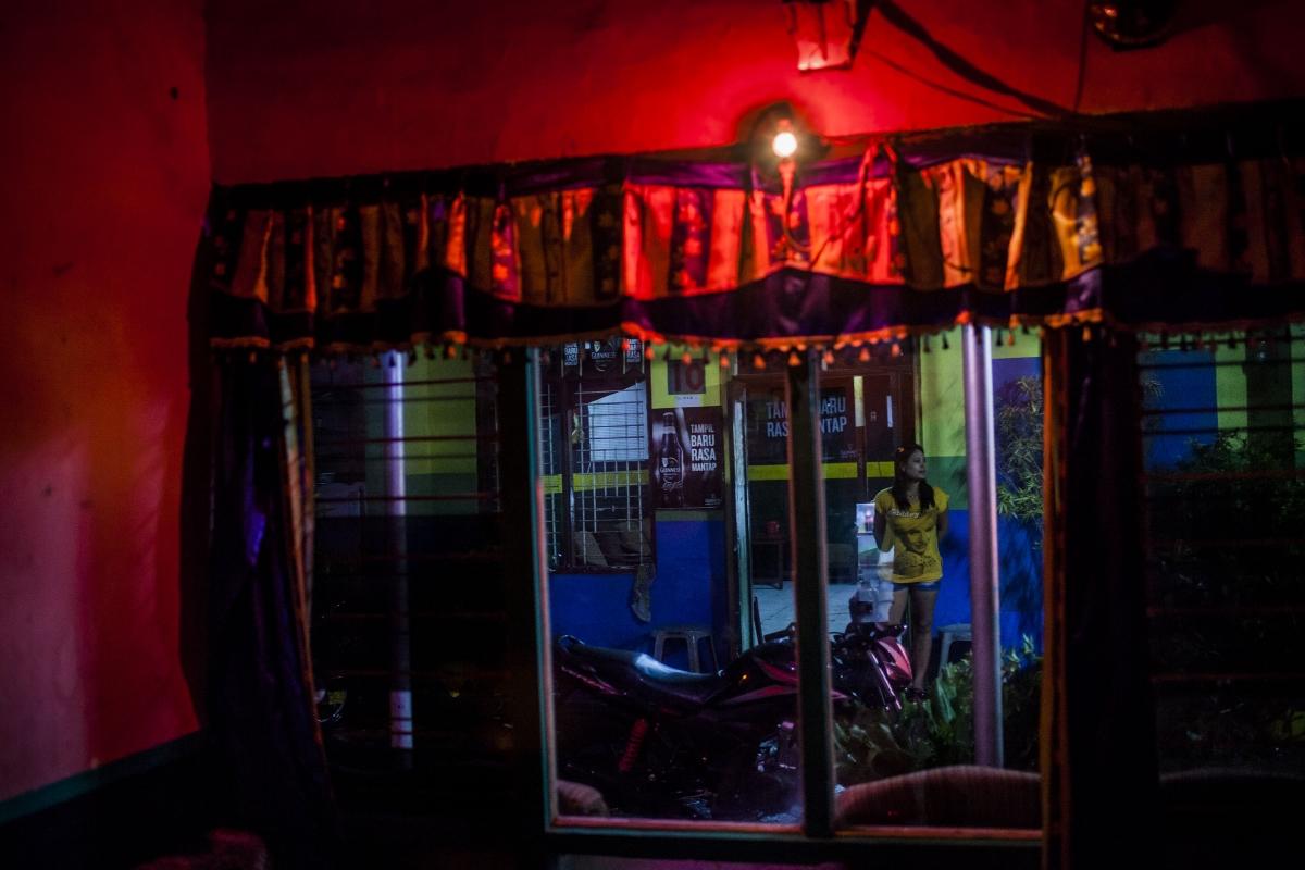 Индонезия е също е популярна за секс туризъм.