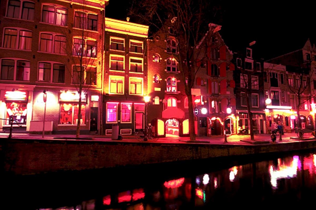 Холандия е единствената европейска страна, която попада в челните места.