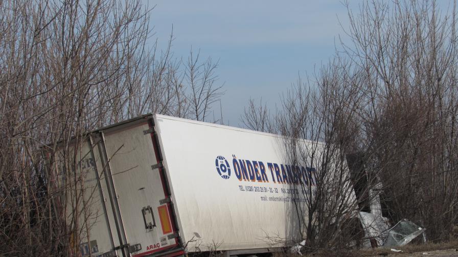 Мъж загина при тежка катастрофа на пътя Русе-Бяла