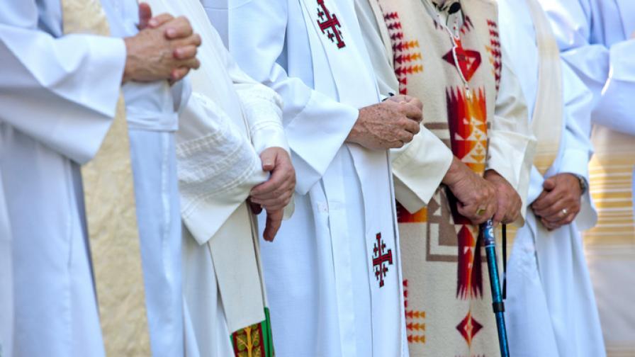 Кои са най-скандалните папи в историята (ВИДЕО)