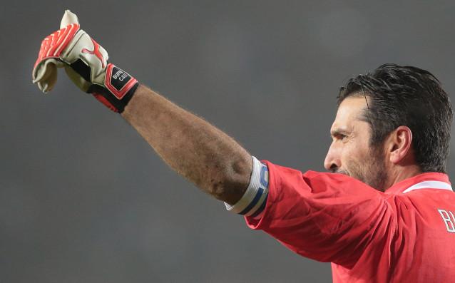 Вратарят наЮвентусаДжанлуиджи Буфон, който завърши кариерата си в националния отбор