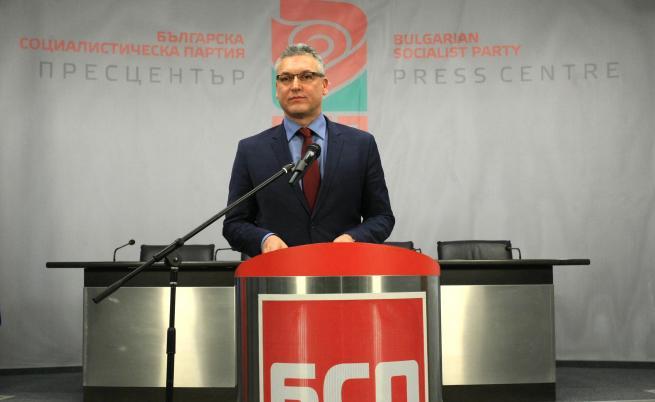 Нинова взе оставката на Жаблянов, какво става в БСП