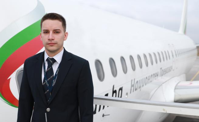 Как се става пилот на Airbus A320 разказва млад българин (ВИДЕО)