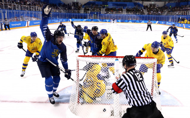 Швеция пречупи Финландия и се класира на четвъртфиналите в Пьонгчанг