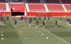 Севиля тренира преди дуела с Юнайтед