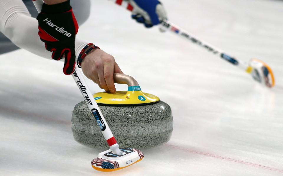 Русия победи Чехия за място на полуфиналите на Световното по кърлинг