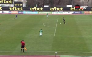 Груба грешка на Перниш едва не коства втори гол за Етър