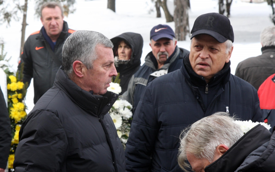Футболна България се сбогува с Меци Веселинов