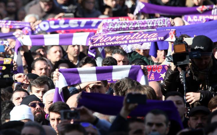 Погребението на Астори надмогна футболната омраза