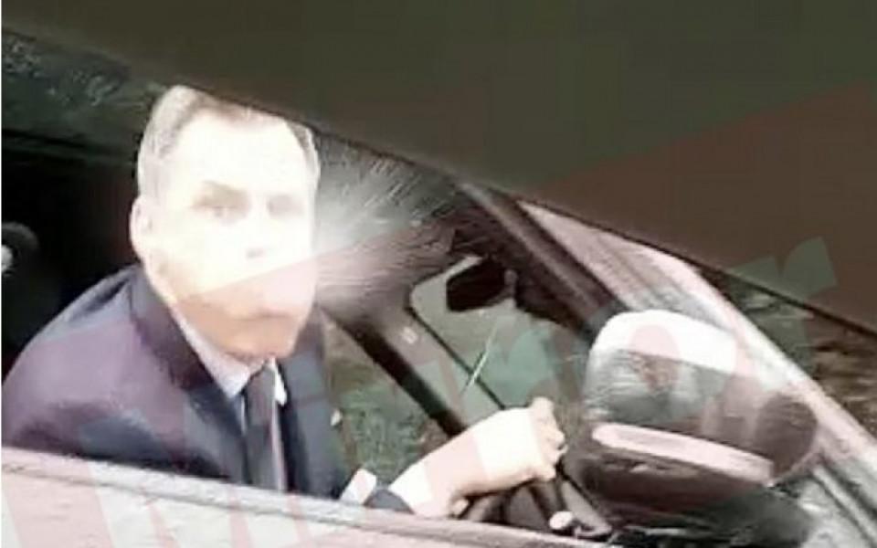 Полицията привика наплютия от Карагър фен на Юнайтед