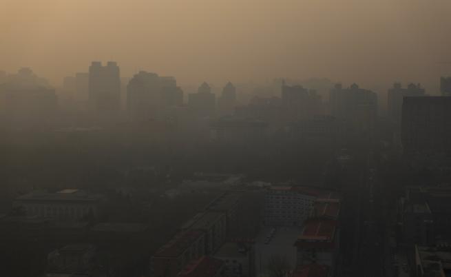 """Как Китай печели """"войната"""" с мръсния въздух"""