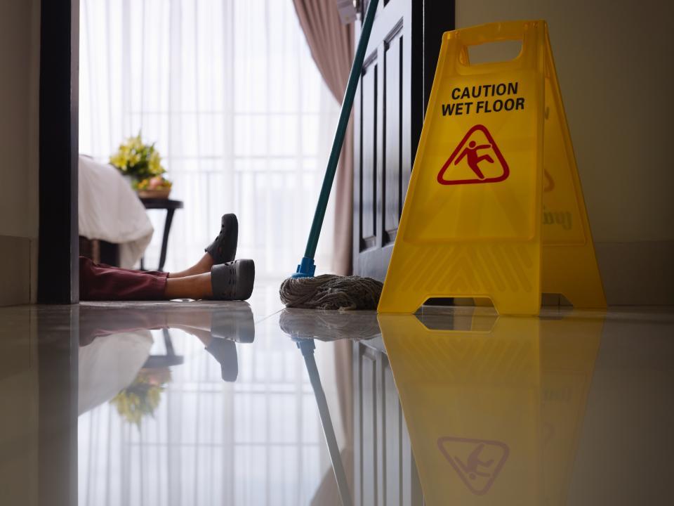 чистене почистване жена