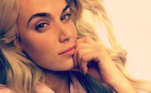 Горещата муза на българската звезда в кеча