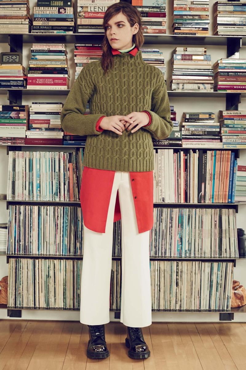 Меган Колинсън е канадски модел и въпреки крехката си възраст тя вече е сред предпочитаните световни модели.