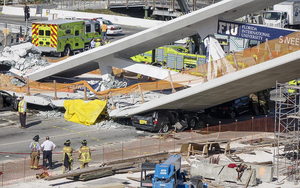 Откриването на моста е било планирано за началото на следващата година. Според замисъла на градските власти съоръжението би трябвало да стане безопасен път за децата от местното училище.