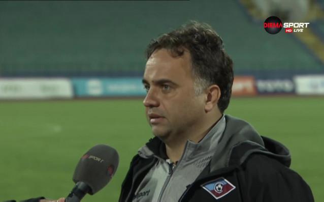 Старши треньорът на Септември София Николай Митов поздрави момчетата си