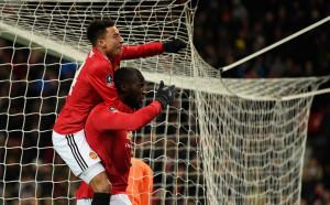 Ман Юнайтед лекува рани, класира се за полуфиналите на Купата