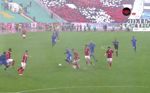 ЦСКА и Левски се оттеглиха при 0:0 след първото полувреме