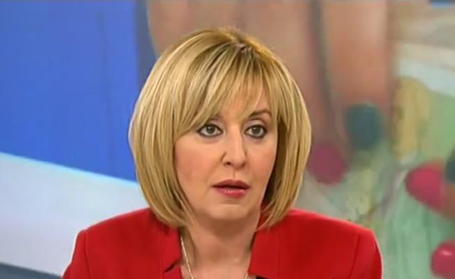 Мая Манолова иска личен фалит в България