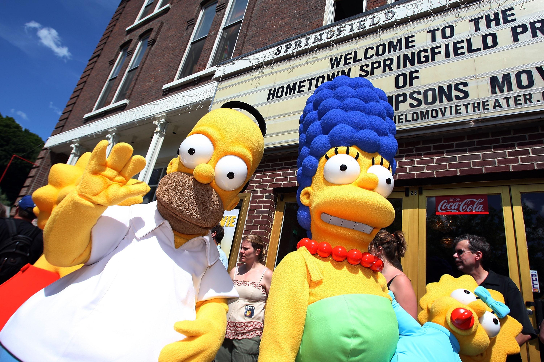 """Хоумър иМардж Симпъсн от """"Семейство Симпсън"""". Макар и анимационна поредица, те остават в историята."""