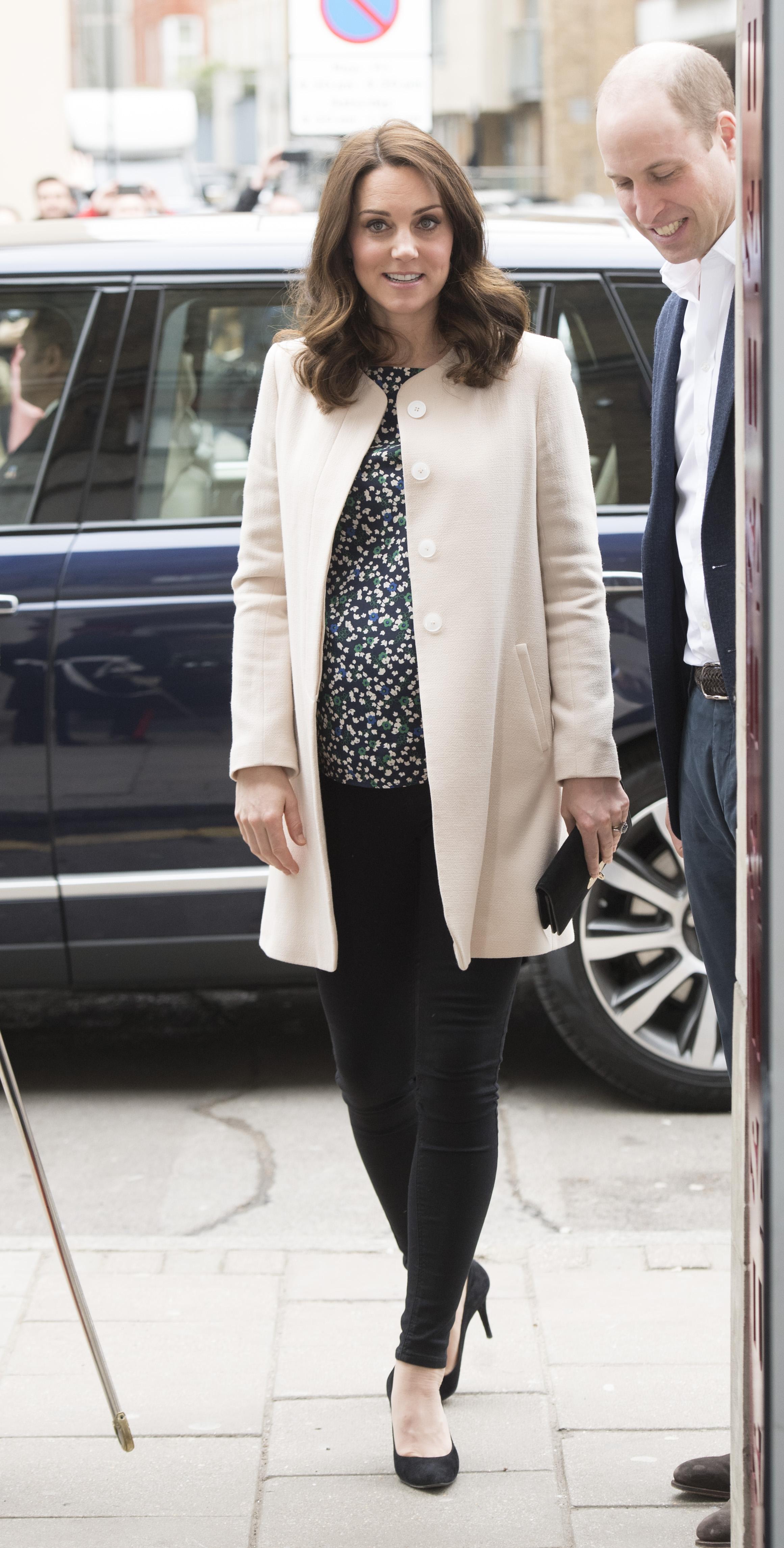 Херцогинята на Кеймбридж Кейт Мидълтън направи последната си публична изява преди раждането, което ще бъде през април.