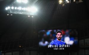 Трогателни снимки как Италия отдаде почит на Астори