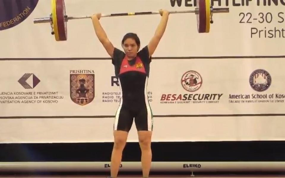 16-годишна българка в Топ 5 на континента във вдигането на тежести