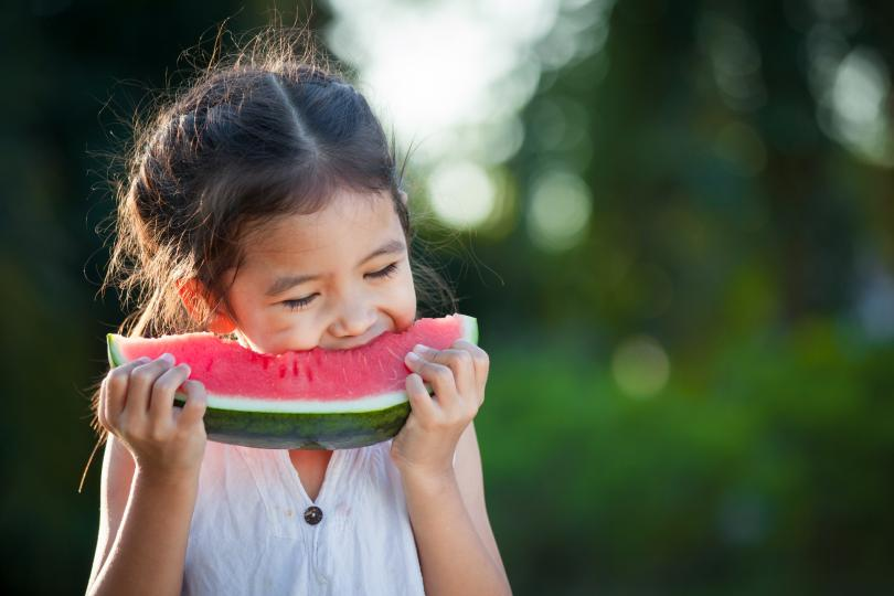 10 правила за хранене, по които френските родители възпитават децата си