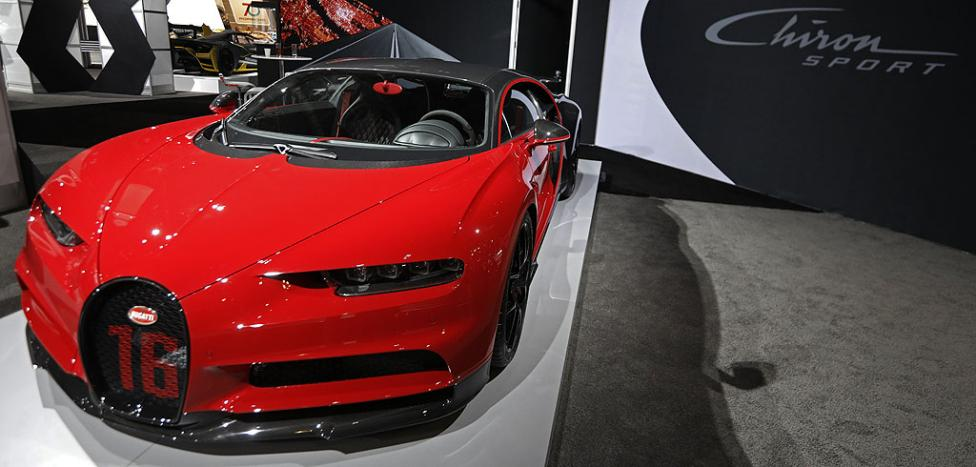 - 16 цилиндровото Bugatti Chiron Sport