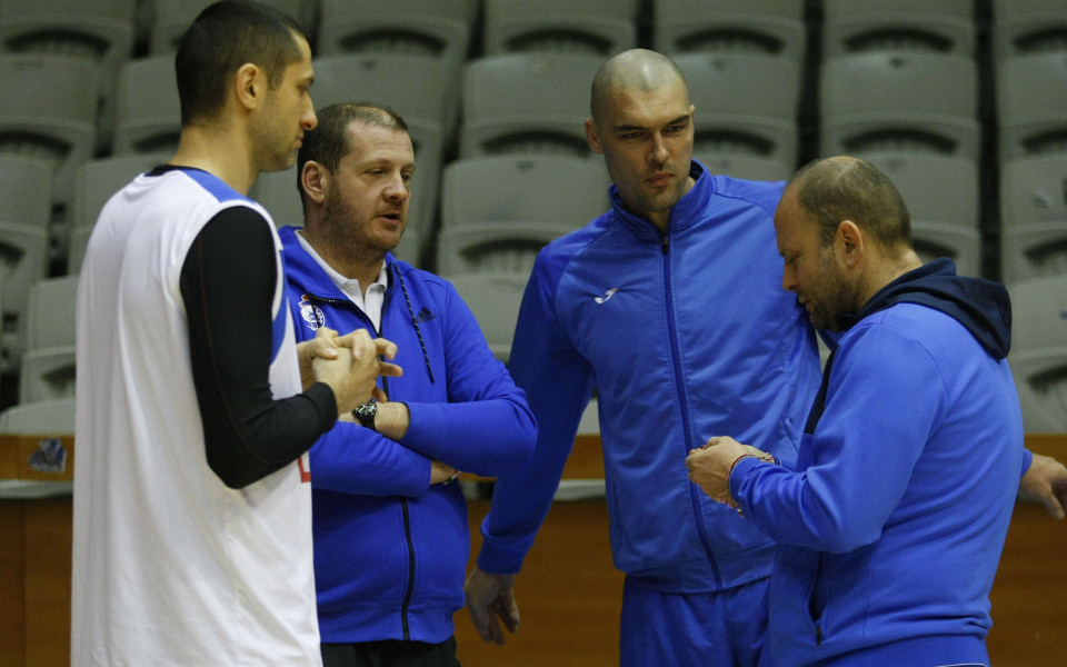 Левски Лукойл с 2 мача за 2 дни - първо с Берое, после с Тирана