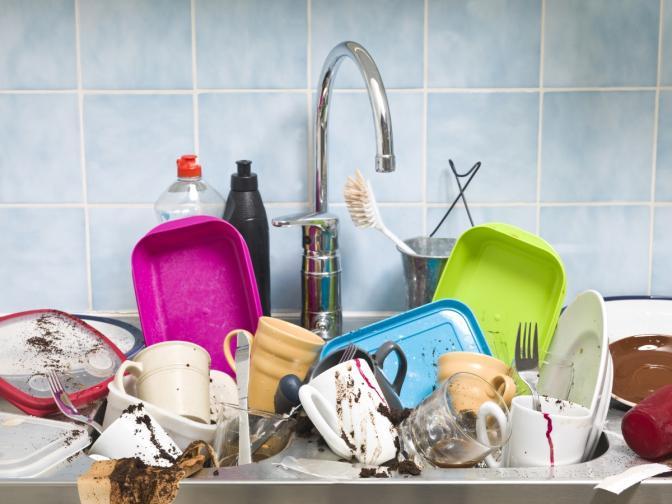 мивка мръсни чинии