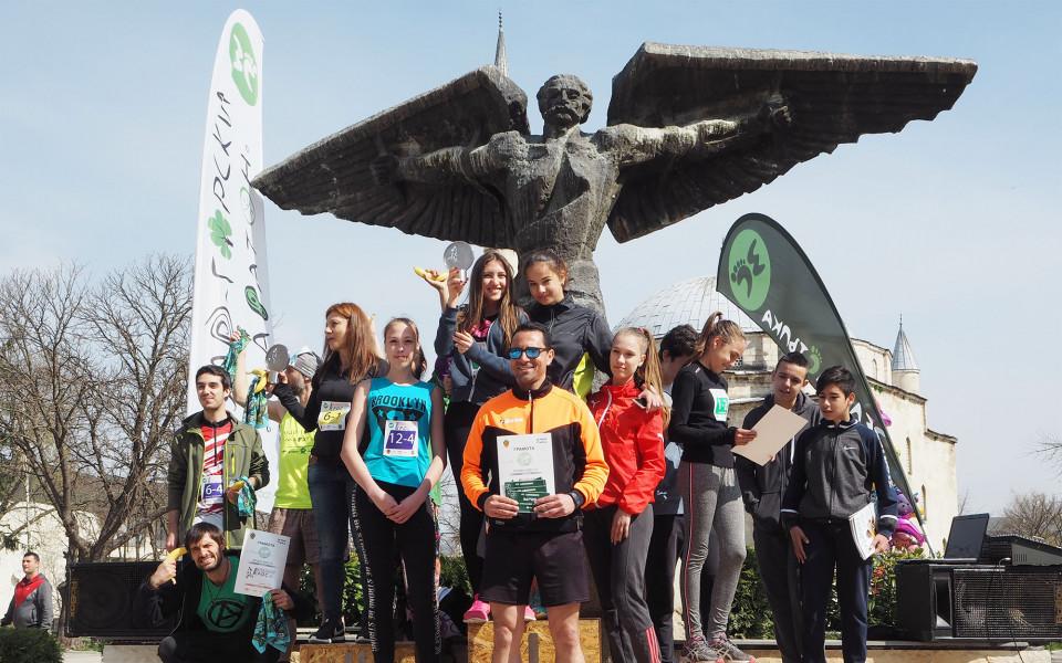 Шампиони дублираха победите си във Великденския крос в Разград