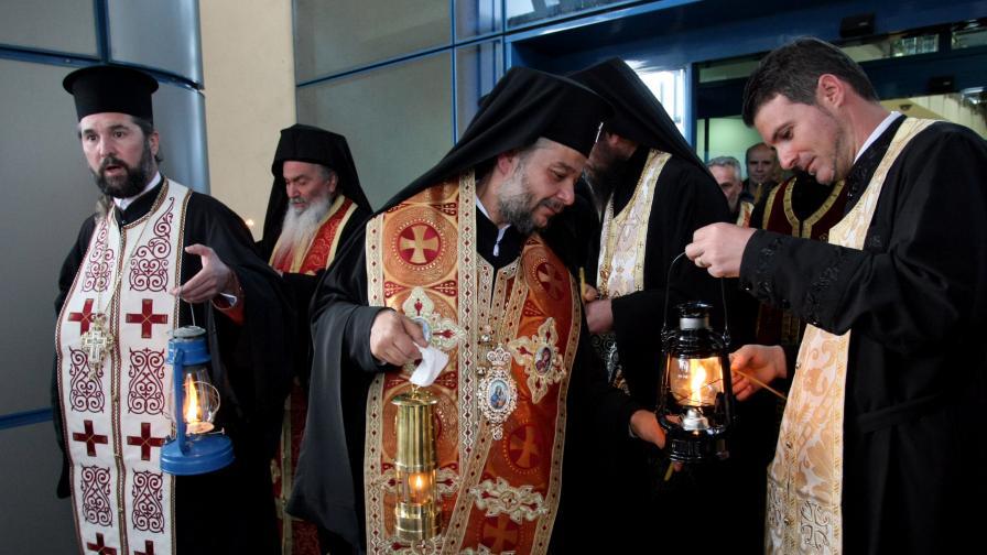 Български владика и македонският епископ ще донесат заедно благодатния огън