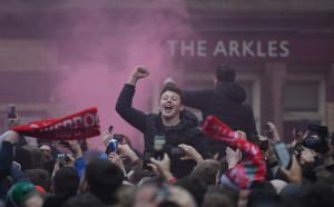 1000 фенове на Ливърпул останаха без транспорт за финала