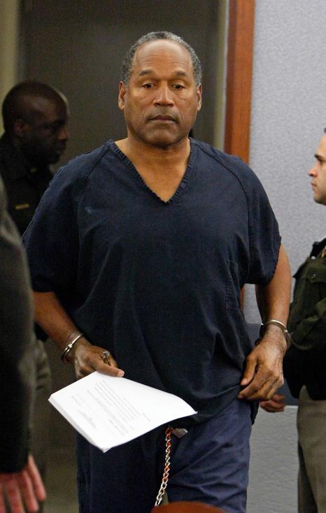 - О Джей Симпсън. През 1994година някогашниятспортист иактьор беше обвинен за убийството на бившата си жена Никол и нейния приятел Рон Голдман, но...
