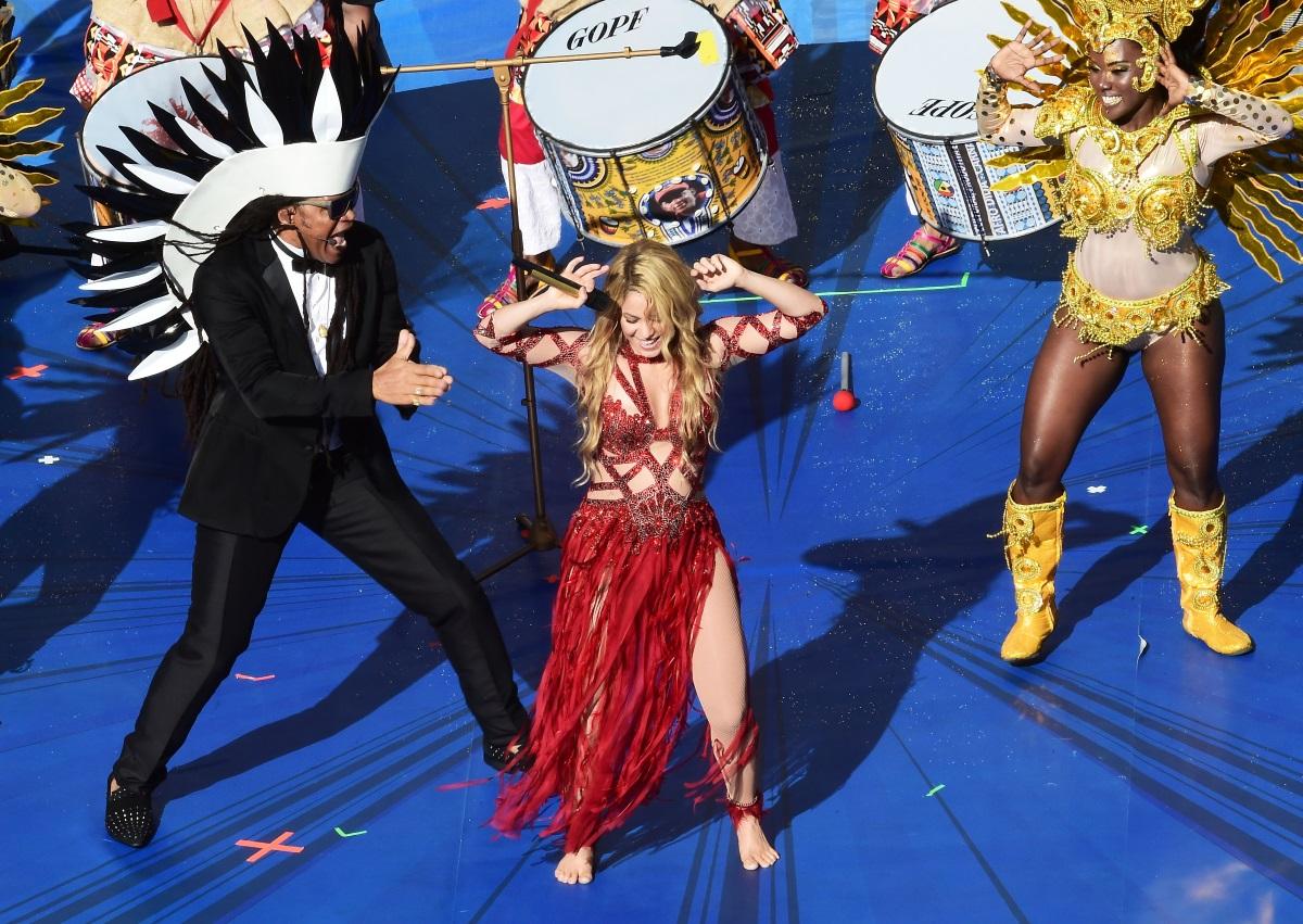 Шакира, 2012 г. - през август певицата призна, че очаква второ дете от футболистаЖерар Пике. Месец преди това всички забелязаха наедрялото ѝ коремче на закриването на Световното първенство по футбол в Бразилия.