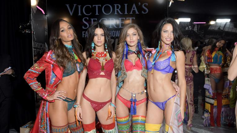 Модел на Викторя Сикрет към обикновените жени: Не се сравнявайте с нас